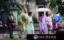 Khám phá ý nghĩa giấc mơ thấy áo mưa - ngủ nằm mơ mặc áo mưa