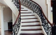 Phong thủy cho thiết kế cầu thang