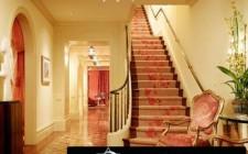 Trải thảm cho cầu thang