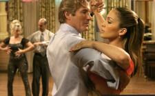 Mơ thấy khiêu vũ cùng người khác: Đang trải qua sự thay đổi trong các mối quan hệ