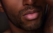 Tướng đàn ông môi dày
