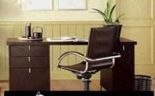 Bố trí bàn làm việc cho người làm công việc liên quan đến giấy tờ, sổ sách