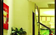 Phòng khách nhỏ có nên treo tranh lớn ?