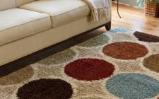 Cần chú ý điều gì về ngưỡng cửa và màu sắc thảm trải sàn?