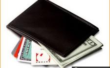 Mơ thấy ví tiền: Vui buồn lẫn lộn
