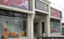Nên chọn địa điểm mở cửa hàng rộng rãi, tránh chật hẹp